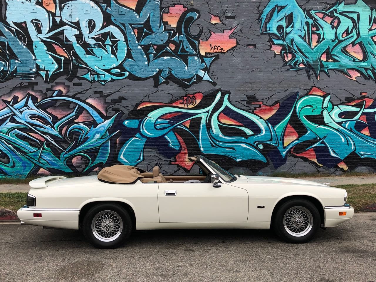 Used-1994-Jaguar-XJ-Series-XJS-2dr-Convertible