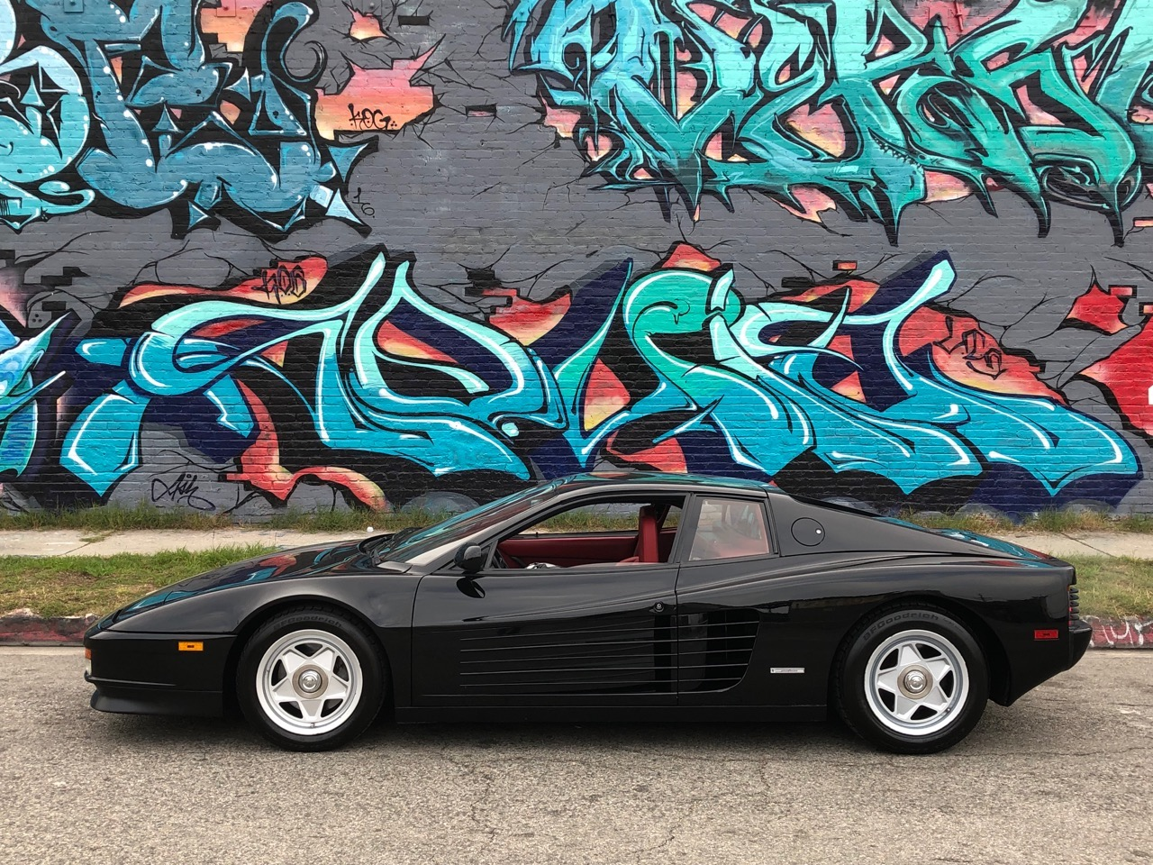 Used 1987 Ferrari Testarossa Centre Lock Wheels